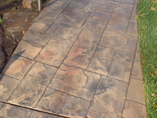 highlight color in stamped concrete