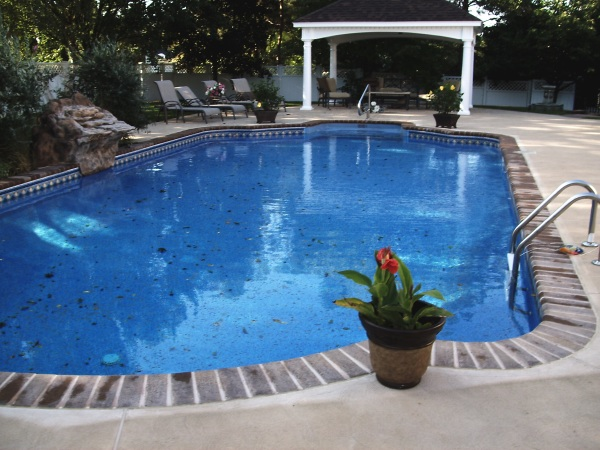 Pool Caulk Joint Repair in Northern NJ.
