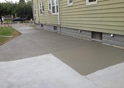 Concrete driveway installation & repair